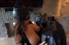 Batman se fait pépave par Catwoman