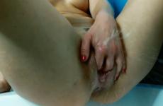 Porno d'une femme fontaine